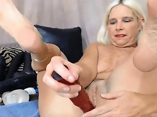 Hot Midwest Milf Enjoy Dp With Baseball Bat Alivegirl