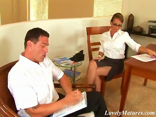 A Superb Office Milf Gives A Nice  To Her Colleague